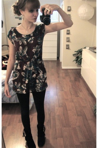 Dresses with Leggings Still in Style