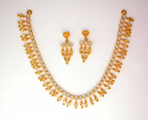 Gold necklace is the most favorite jewelry for women.