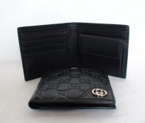 Gucci Wallet for an Exclusive Man