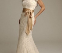 Being Graceful Bride with Fitted Lace Wedding Gowns
