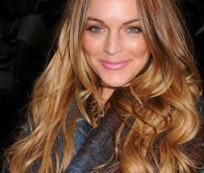 Have a Beautiful Blonde Hair with Brown Highlights