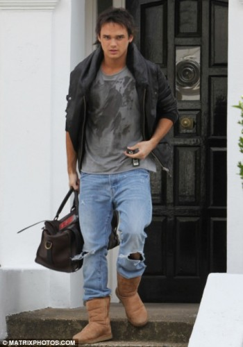 How To Wear Boots With Jeans Men