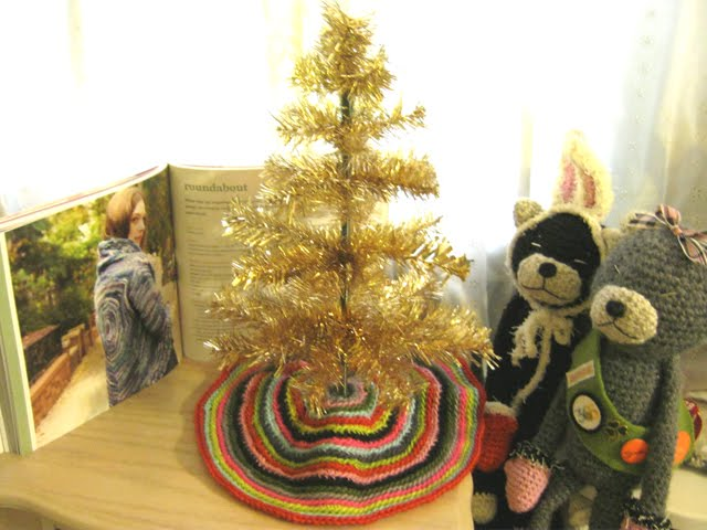Crocheted Christmas Tree Skirt