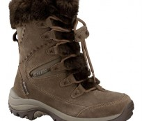 Have a Safe Hiking with Women's Hiking Boots
