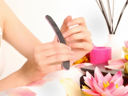 How to Give Yourself a Homemade Manicure