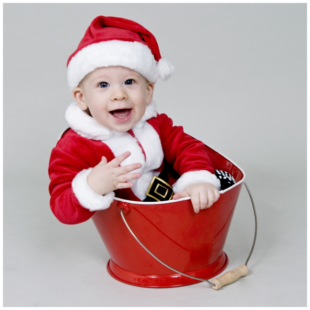 Newborn Christmas Picture Ideas