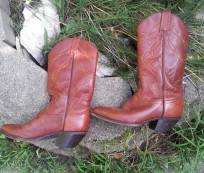 Get a Boho and Vintage Look with Western Boots for Women