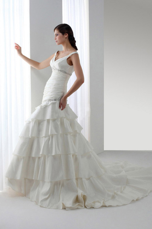 white poofy prom dresses fashion belief