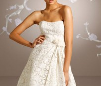 Many Benefits of Short Bridal Gowns