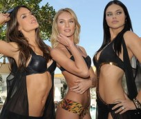 Victoria's Secret models are having fun