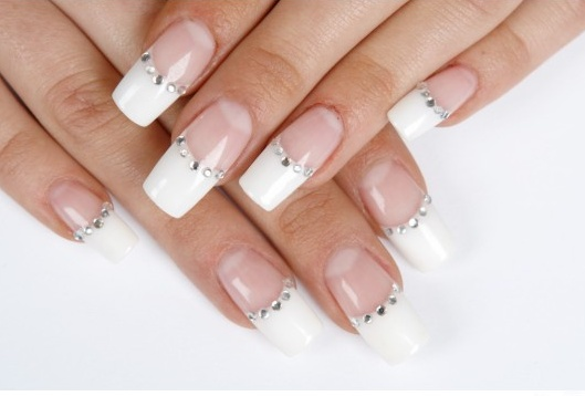 nail art with crystal decoration