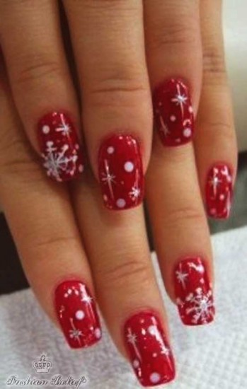 red Christmas nail art
