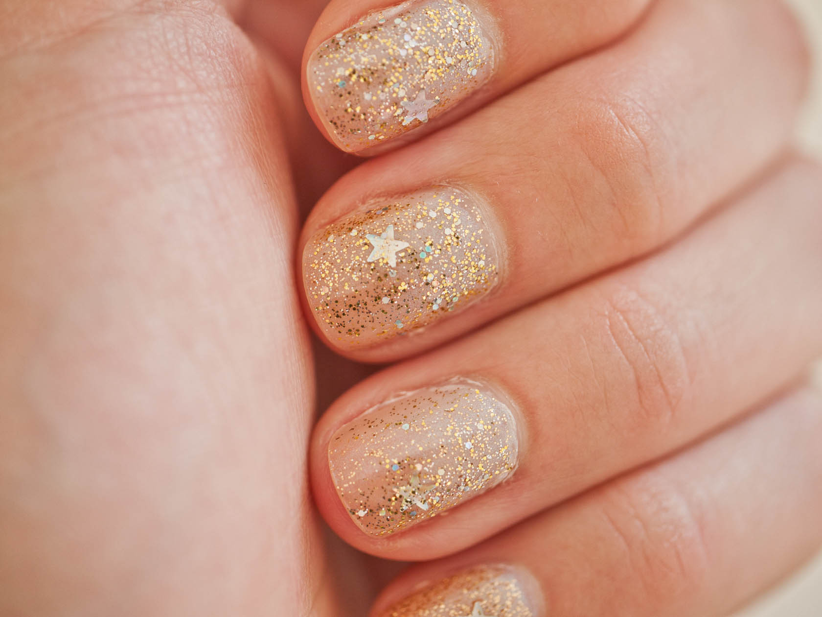 nail art designs with gold and silver glitter | fashion belief