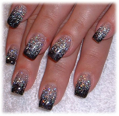 sparkling holiday nail art with glitter fashion belief