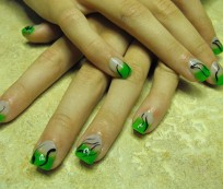 Nail art in fresh, spring colors