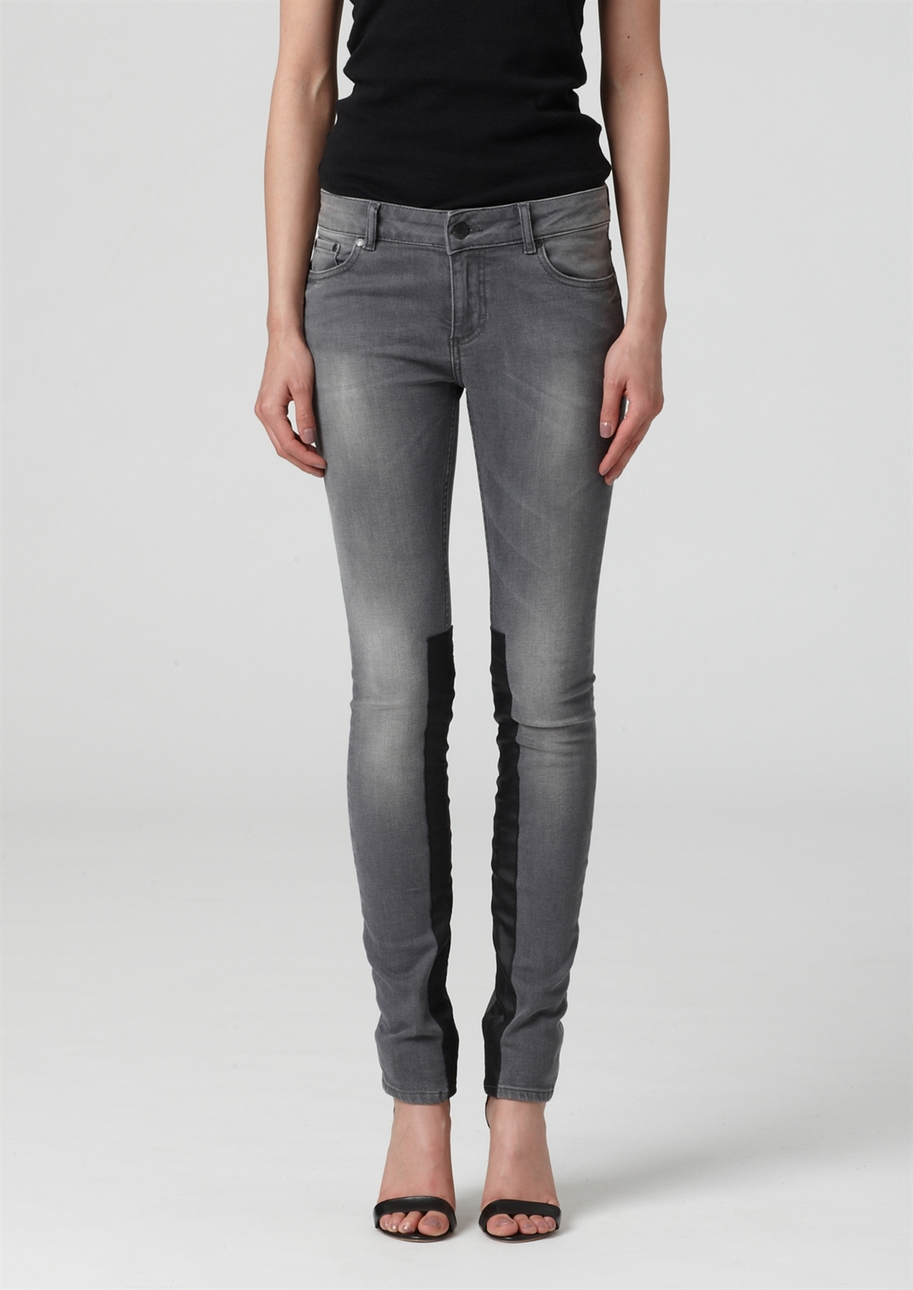 Shop women's jeans at cuttackfirstboutique.cf Discover a stylish selection of the latest brand name and designer fashions all at a great value.